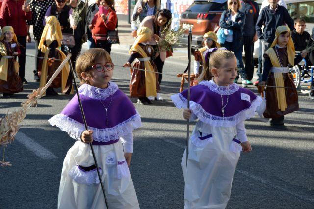 Los alumnos del colegio Divino Maestro no fallan a su cita con la procesión de Los Pasitos - 5, Foto 5