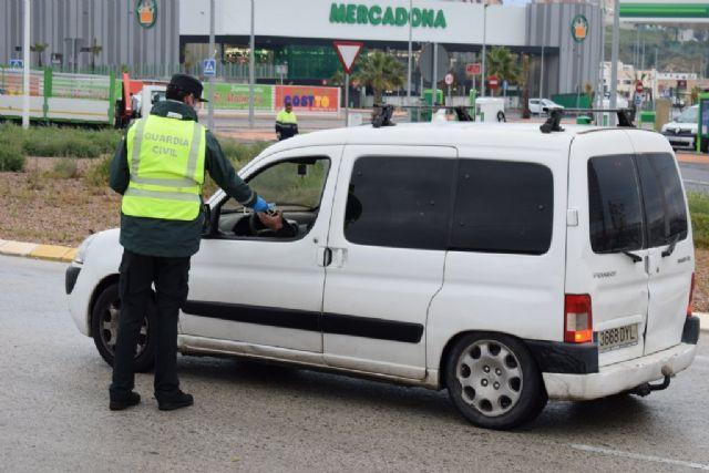 El Gobierno de España reparte en Mazarrón 6000 mascarillas ante el regreso de algunos trabajadores a su actividad laboral, Foto 3