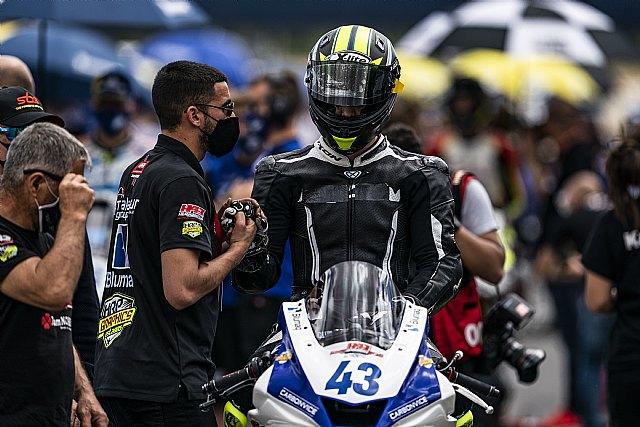 Carlos Cano roza el podio en su debut en Moto4 - 2, Foto 2