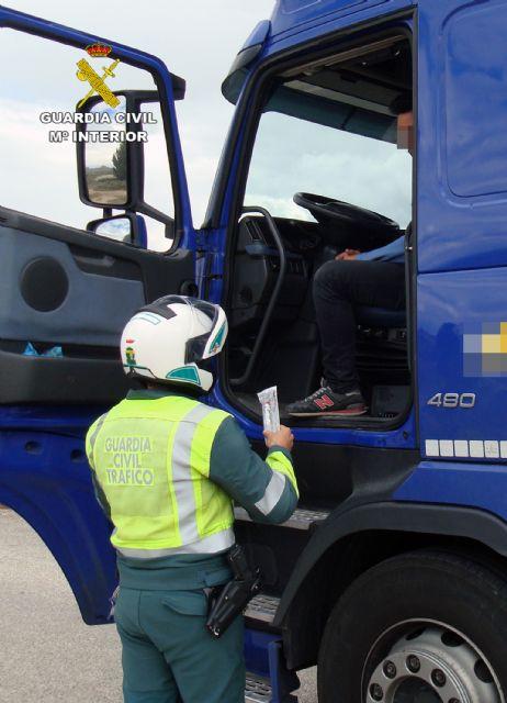 La Guardia Civil intercepta al conductor de un vehículo articulado de 26 toneladas conduciendo bajo los efectos de drogas - 1, Foto 1
