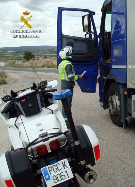 La Guardia Civil intercepta al conductor de un vehículo articulado de 26 toneladas conduciendo bajo los efectos de drogas - 2, Foto 2