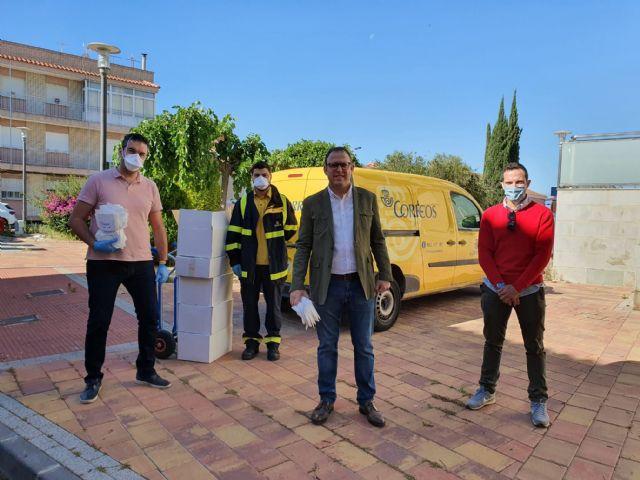 Molina de Segura reparte 10.000 mascarillas higiénicas y reutilizables de protección frente al COVID-19 entre la población mayor de 65 años - 1, Foto 1