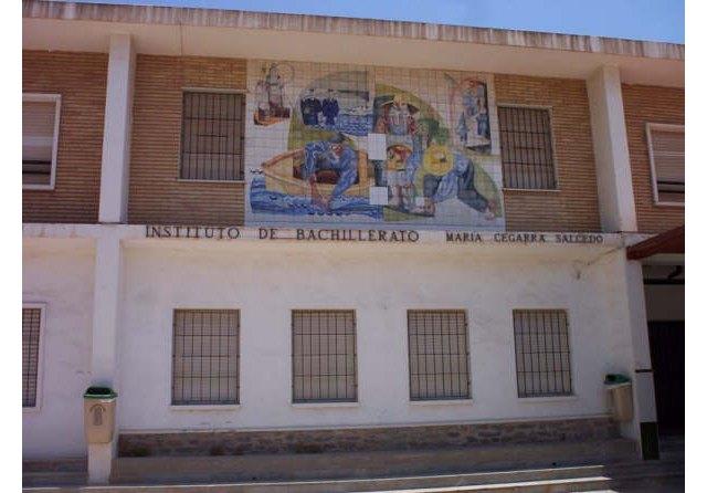 El alcalde de La Unión felicita al AMPA del IES María Cegarra por conseguir la construcción de un nuevo gimnasio - 1, Foto 1