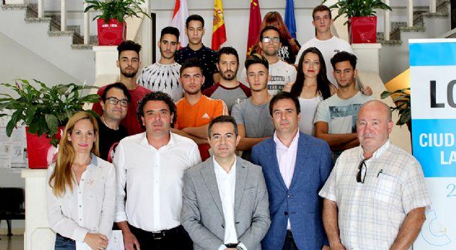 15 jóvenes de Lorquí se forman como auxiliares de albañilería de fábricas y cubiertas - 1, Foto 1