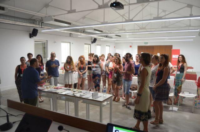 La Universidad Internacional del Mar ahonda en la enseñanza bilingüe en Educación Infantil y Primaria - 1, Foto 1