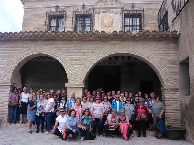 El programa de igualdad Entre Nosotras cierra el curso con una visita cultural a Mula - 1, Foto 1
