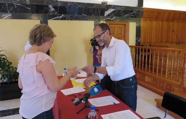 El Ayuntamiento de Caravaca entrega las subvenciones del Plan de Fomento Empresarial - 5, Foto 5