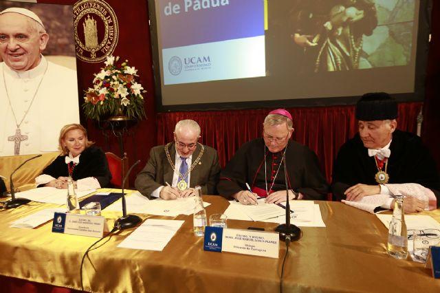 La UCAM crea la primera Orden universitaria del mundo - 1, Foto 1
