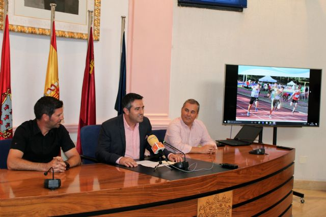 El alcalde recibe a los atletas del club Nutribán Sociedad Atlética Alcantarilla, por los éxitos en los últimos campeonatos de España - 4, Foto 4