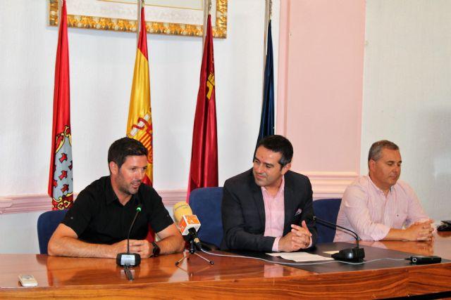 El alcalde recibe a los atletas del club Nutribán Sociedad Atlética Alcantarilla, por los éxitos en los últimos campeonatos de España - 5, Foto 5