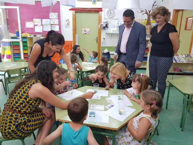 La consejera de Familia visita la escuela de verano de Alcantarilla - 1, Foto 1