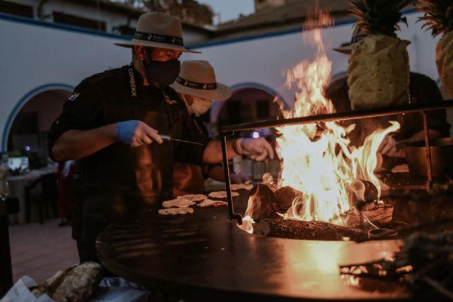 Fash Food sienta a 30 comensales alrededor del fuego en la experiencia San Vito - 3, Foto 3