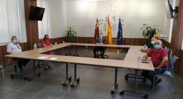 El Delegado de Gobierno, José Vélez, se reúne con la portavoz socialista y la comunidad de regantes de Puerto Lumbreras - 1, Foto 1