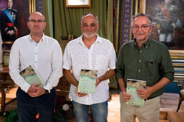Joaquín Ruiz profundiza en la historia de los mazarroneros, Foto 1