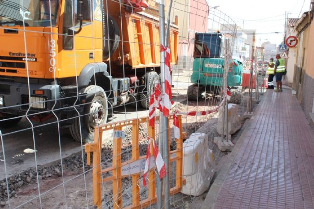 At the beginning of September, the renovation works of the drinking water and sewerage network on Teniente Pérez Redondo Street are scheduled to be completed