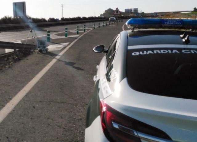 La Guardia Civil detiene a un joven por conducir a más del doble de la velocidad máxima permitida, Foto 1