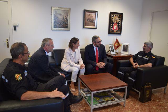 Diputados del GPP visitan el Cuartel General de la UME en la base de Torrejón de Ardoz, Foto 1