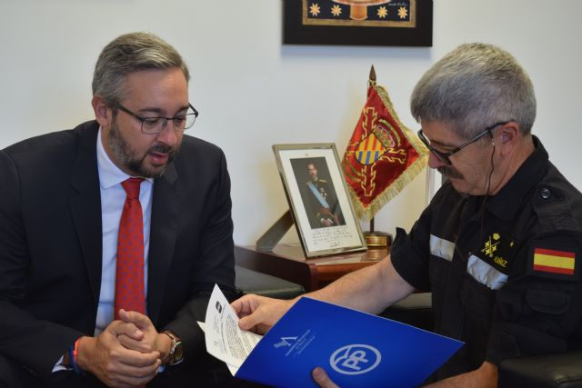 Diputados del GPP visitan el Cuartel General de la UME en la base de Torrejón de Ardoz, Foto 2