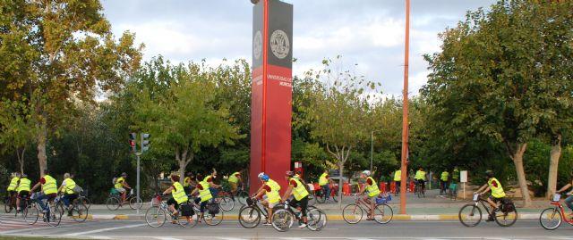 La UMU organiza una subida al Campus de Espinardo en bicicleta y patines para animar a la movilidad sostenible - 1, Foto 1