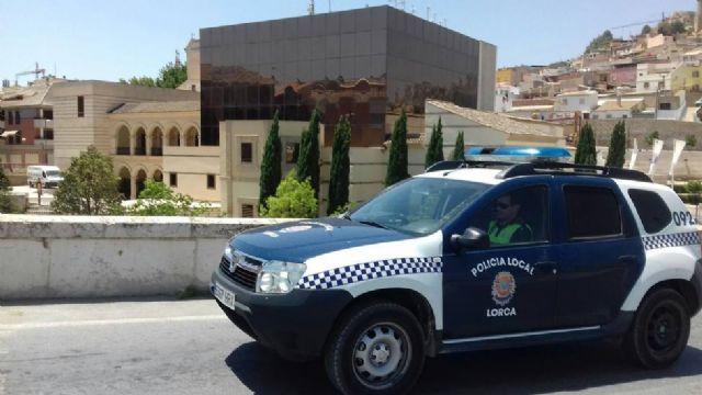 La Policía Local de Lorca detiene al presunto autor del robo con violencia de una bicicleta que fue recuperada por los agentes - 1, Foto 1