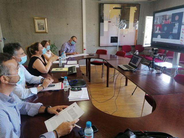 La consejera de Educaci�n se re�ne con las Ampas de Lorca, Totana y Lorqu�, Foto 1