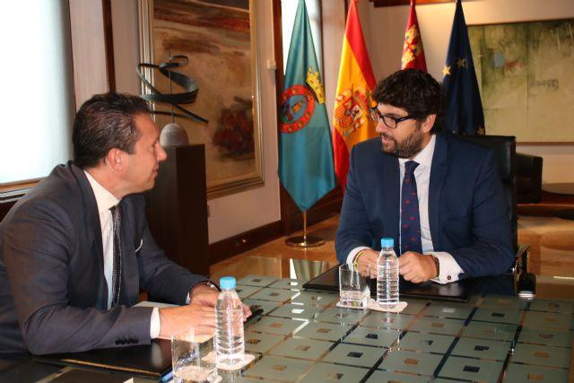 Fernando López Miras se reúne con la alcalde de Mula - 2, Foto 2