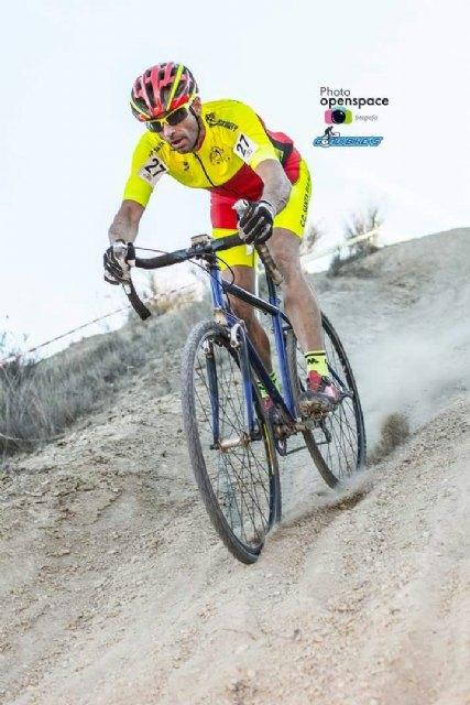 Un fin de semana más los corredores del CC Santa Eulalia se adentran en una nueva modalidad en Murcia como es el ciclocross, Foto 2