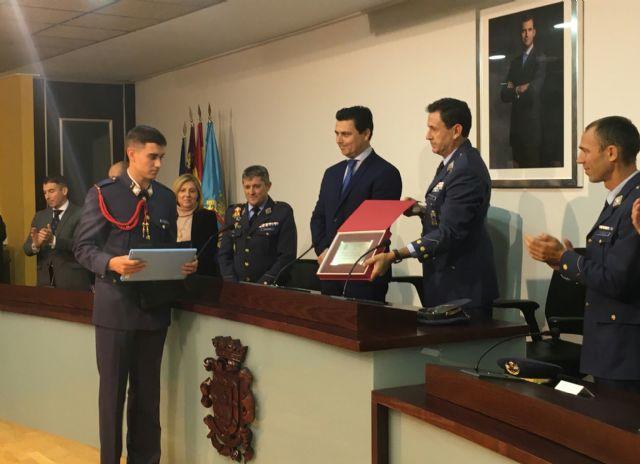 El alcalde declaró vecinos de San Javier a los nuevos alumnos de la AGA en su tradicional visita al Ayuntamiento - 1, Foto 1