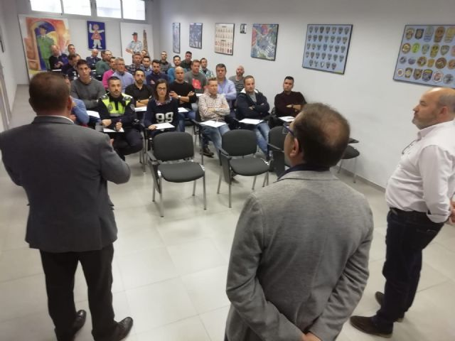 The Autonomous Community trains 35 local policemen from Totana, Alhama, Mazarr�n and Águilas in drug detection in drivers, Foto 5