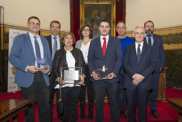 AELMHU premia la investigaci�n, la trayectoria cl�nica y la difusi�n de las enfermedades raras y los medicamentos hu�rfanos, Foto 1