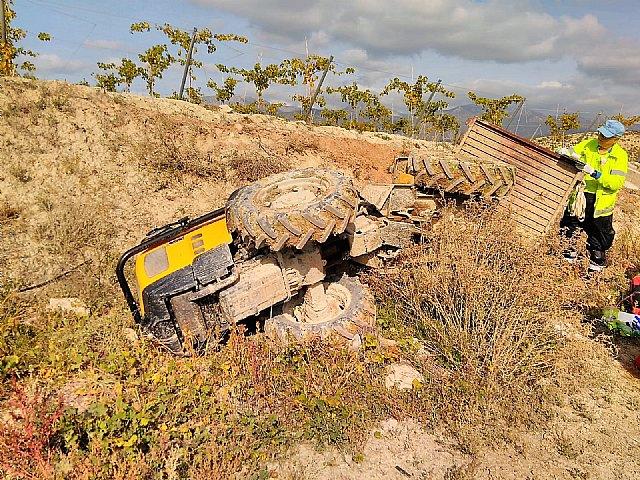 Muere un hombre al caerle encima el tractor que conducía, en Aledo - 1, Foto 1