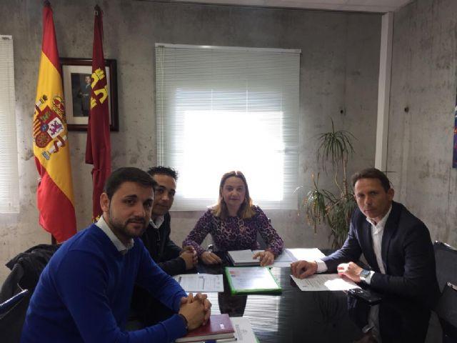 El Alcalde mantiene una reunión con la Directora General de Centros - 1, Foto 1