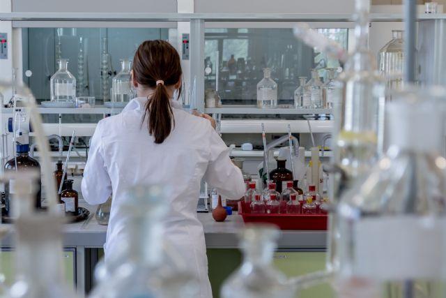 Investigadora científica en un laboratorio, Foto 1
