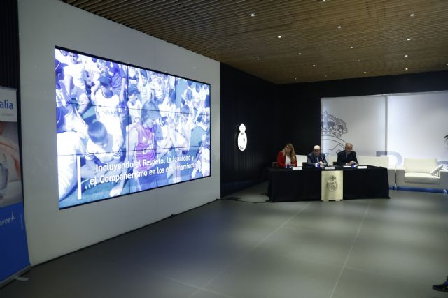 Ayuntamiento y Fundación Real Madrid renuevan su acuerdo para el desarrollo de actividades sociodeportivas, Foto 2