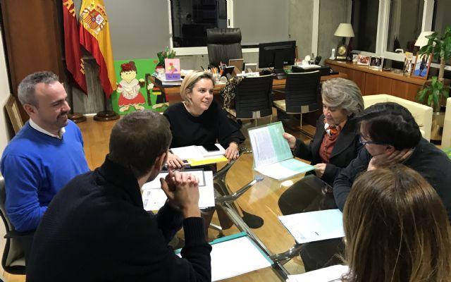 Martínez-Cachá se reúne con representantes de la Sociedad de Filosofía de la Región de Murcia - 1, Foto 1