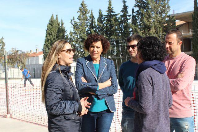 La Comunidad Autónoma remodela la pista polideportiva del colegio Juan Antonio López Alcaraz - 2, Foto 2