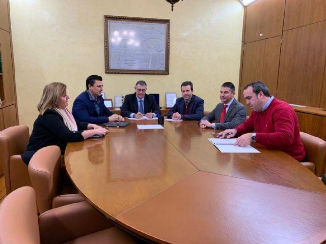 El Alcalde de San Javier, José Miguel Luengo insiste ante la CHS en la necesidad de llevar a cabo acciones en las zonas altas de las ramblas para paliar las consecuencias de las aguas torrenciales - 1, Foto 1