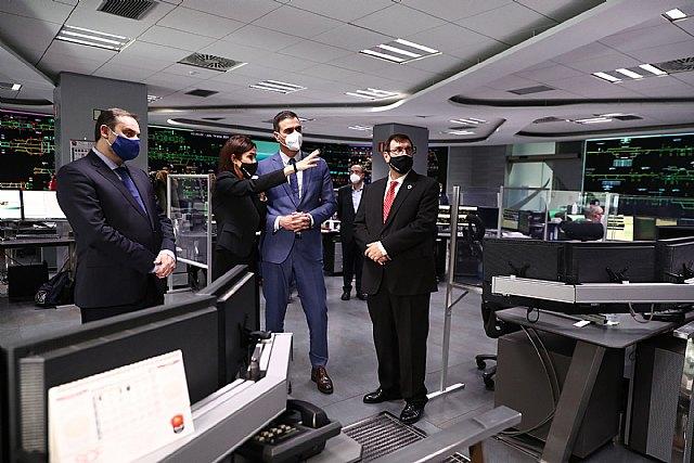 El presidente visita el centro de control que ha logrado reanudar la Alta Velocidad en tiempo récord - 2, Foto 2
