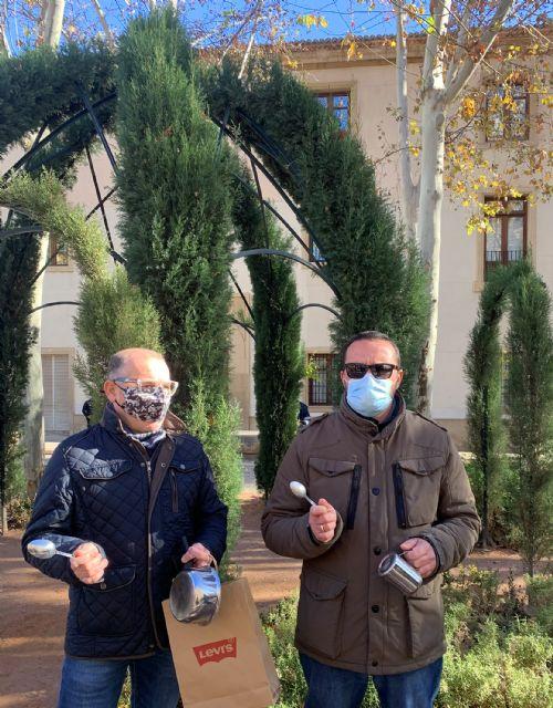 Los hosteleros se concentran ante San Esteban para denunciar el maltrato al sector - 3, Foto 3