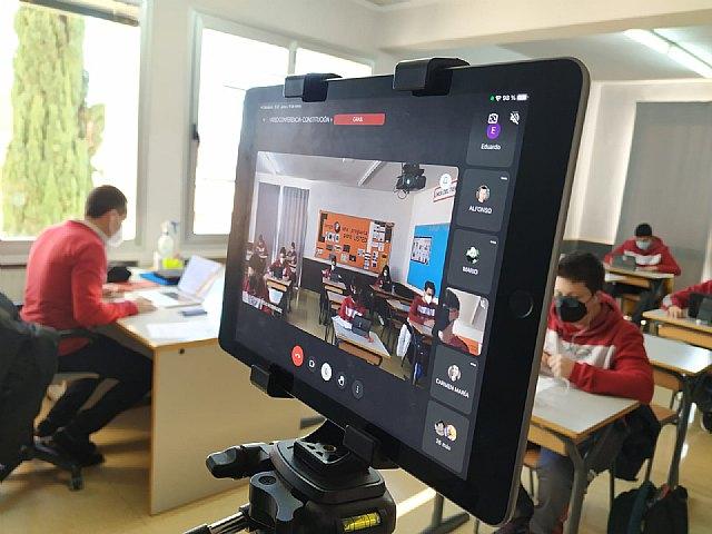 Miquel Roca, participa en el proyecto educativo: Tengo una pregunta para usted - 3, Foto 3