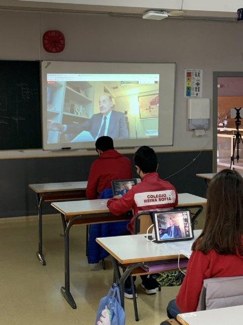 Miquel Roca, participa en el proyecto educativo: Tengo una pregunta para usted - 5, Foto 5