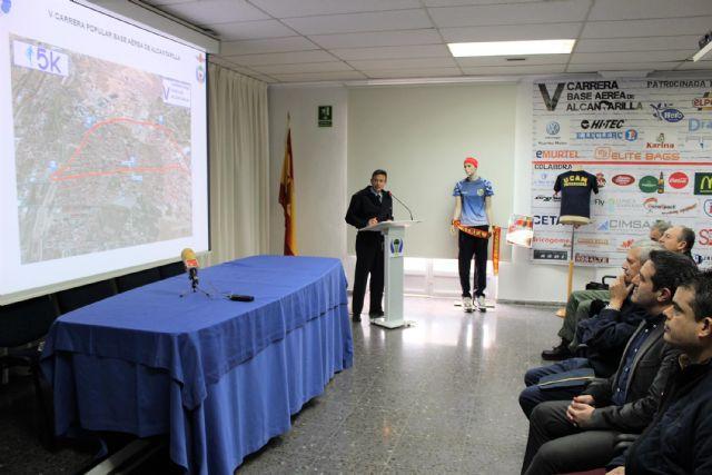 Presentada oficialmente la V Carrera Popular Base Aérea de Alcantarilla, que se celebrará el próximo domingo 25 de febrero, con salida y meta en nuestra ciudad - 2, Foto 2
