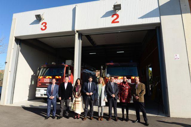 L�pez Miras inaugura el nuevo parque de bomberos Alhama-Totana y destaca la val�a y profesionalidad de los efectivos del CEIS, Foto 1