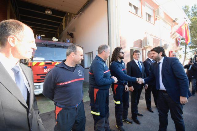 L�pez Miras inaugura el nuevo parque de bomberos Alhama-Totana y destaca la val�a y profesionalidad de los efectivos del CEIS, Foto 3