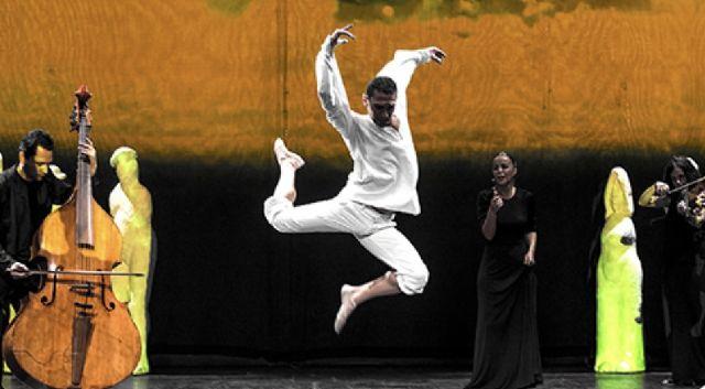 ´Free Bach 212´ de La Fura dels Baus llega el próximo viernes al Auditorio regional con el bailarín murciano Miguel Ángel Serrano, Foto 1