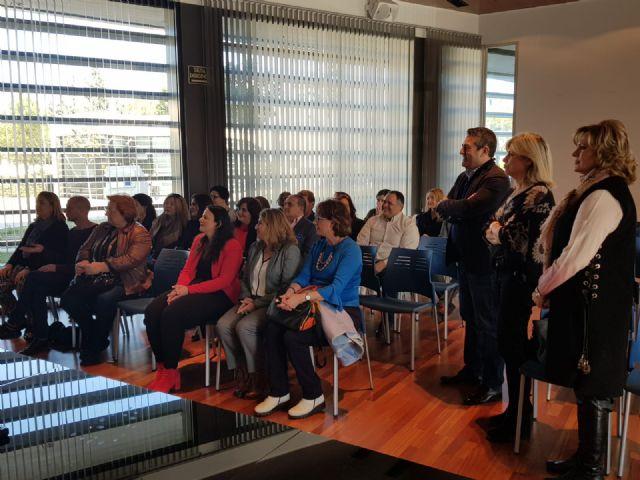 Quince alumnos reciben los diplomas del curso Atención sociosanitaria a personas en el domicilio - 3, Foto 3