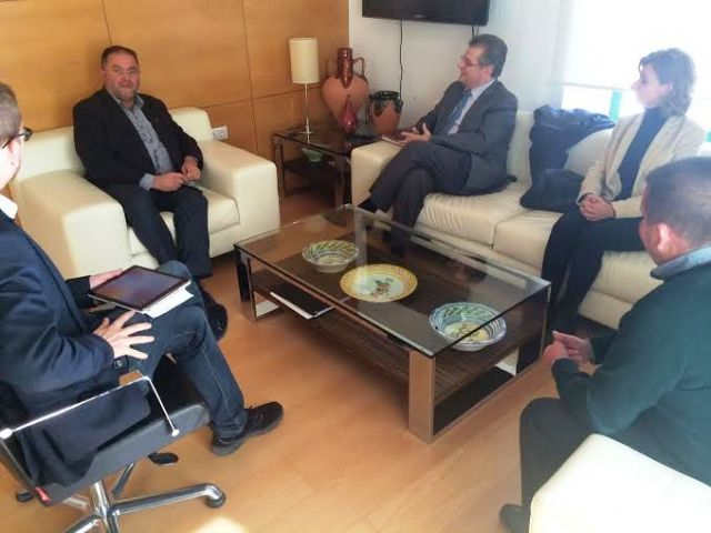 The government team meets with the College of Architects of Murcia - 1