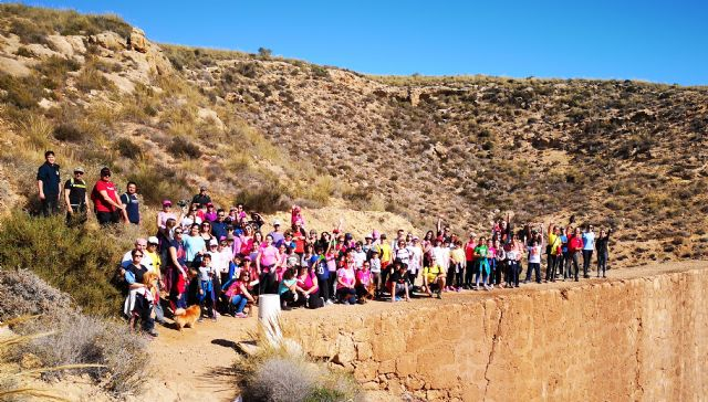 Marcha senderista para culminar los actos del ´8m´, Foto 1
