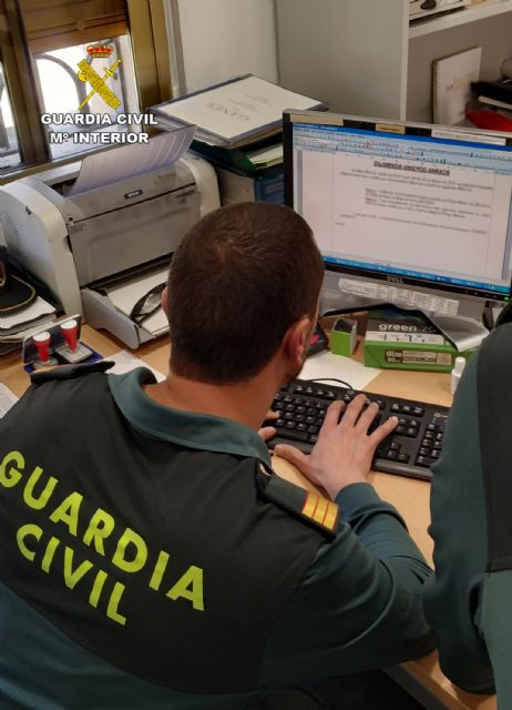 La Guardia Civil detiene a dos personas dedicadas a robar en viviendas de Albudeite - 1, Foto 1