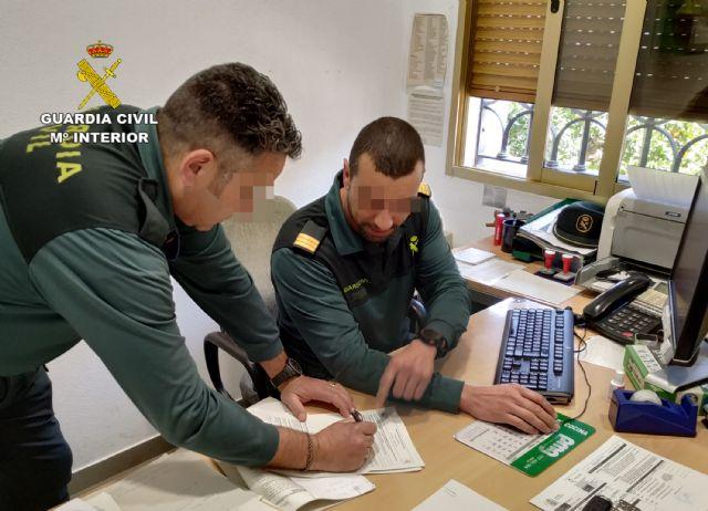 La Guardia Civil detiene a dos personas dedicadas a robar en viviendas de Albudeite - 2, Foto 2
